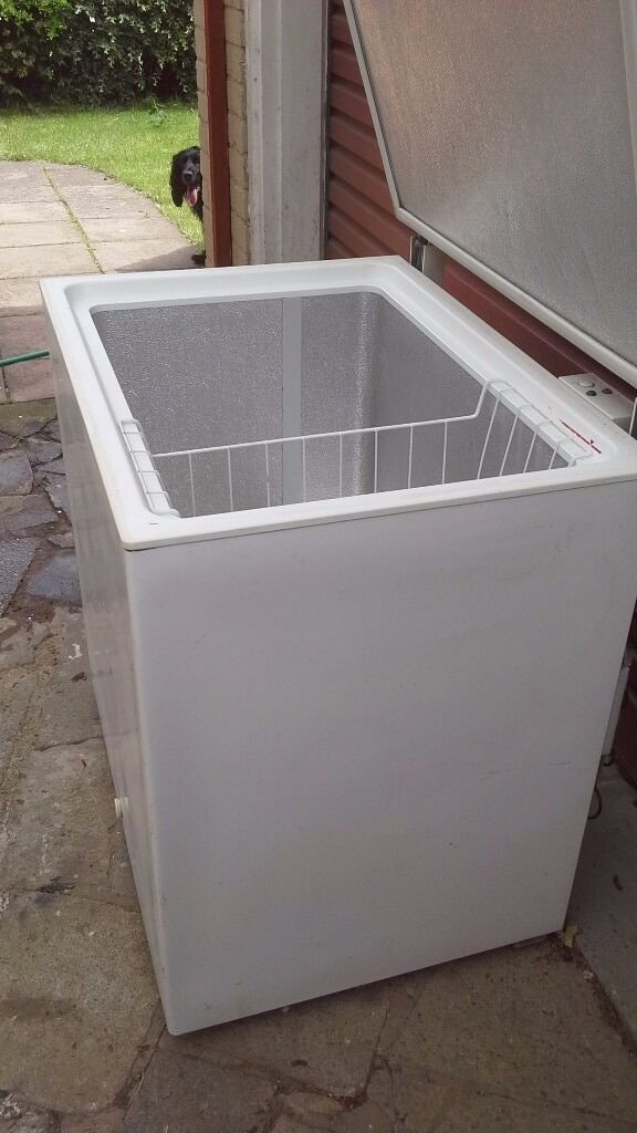 Chest Freezer, Suitable For A Garage. Image 1 Of 7