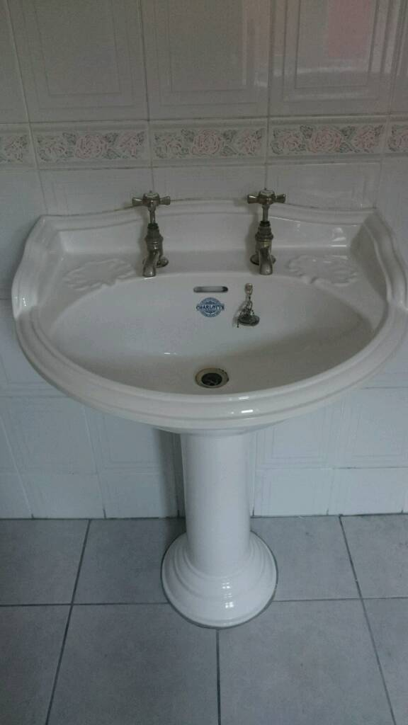 Qualitas Staffordshire Charlotte Toilet, Cistern And Sink