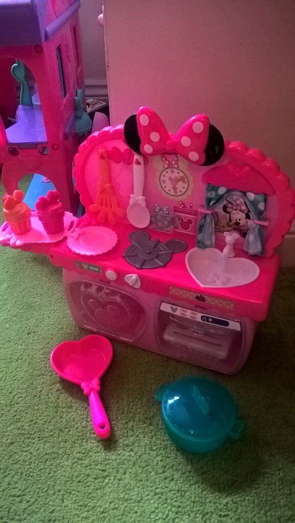 Minnie Mouse play kitchen and phone