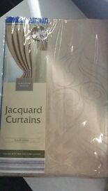 Jacquard lined curtains
