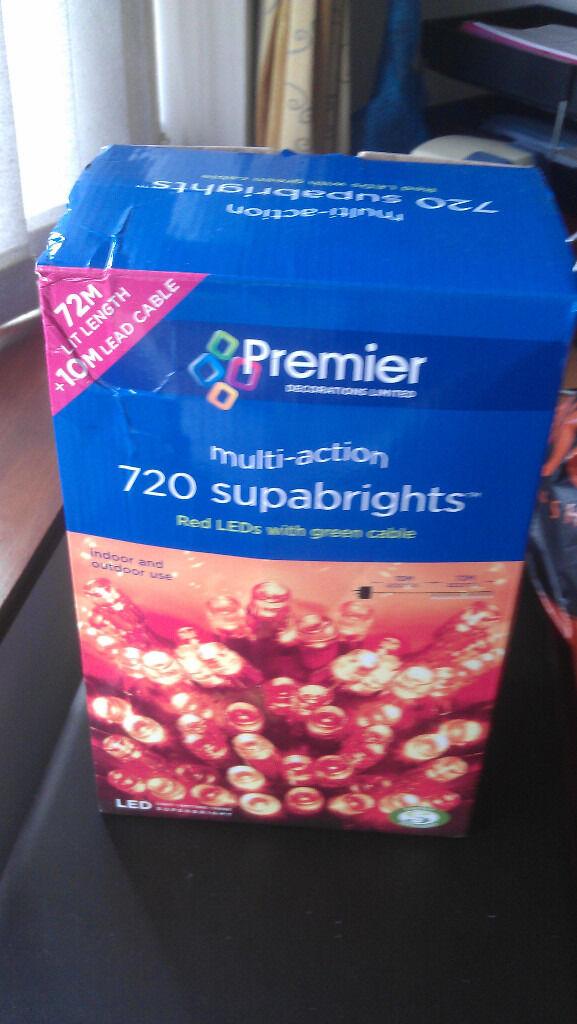 Christmas lights: 720 red LEDs