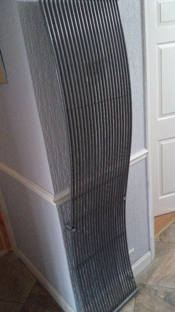 DESIGNER VERTICAL WAVE RADIATOR IN ANTHRACITE GREY