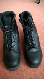 Cadets black leather combat boots, size 6