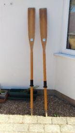 Pair of Gull rowing oars, 1.8m (6 foot) - vgc