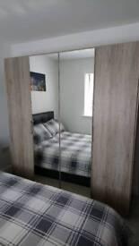4 door Wardrobe - sliding doors
