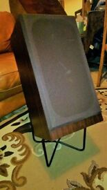 Studio Quality Desk SS Toshiba mid-range speakers