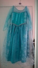 Deluxe Elsa dress up costume Age 9-10 (small fit - more 7-8)