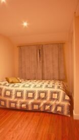 Cosy large room, WiFi All Bills Included! Near Tube, TV, Real pictures, close Canary Wharf :)