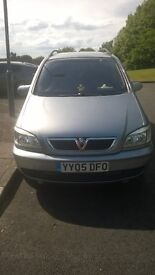 vauxhall zafira with in car entertainment x2