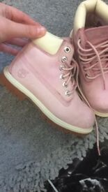 Girls size 10 timberland boots great condition