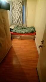 Huge Single Room BowRoad Mile end. Bills included