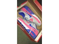 Women's size 6 Nike air max trainers