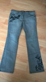 Ladies Next Jeans, brand new – size 10.