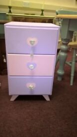 Gorgeous small set of drawers in baby pink and lilac with heart diamante handles