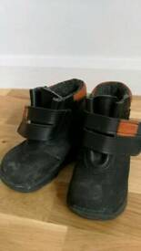 Polarn O. Pyret winter shoes