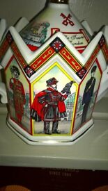 Sadler Vintage China Teapot Tower Of London Design Very Good Condition