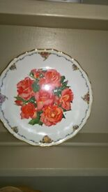 Elizabeth Of Glamis Queen Mums Flowers Roses Collector Plate Royal Albert China Mint Condition