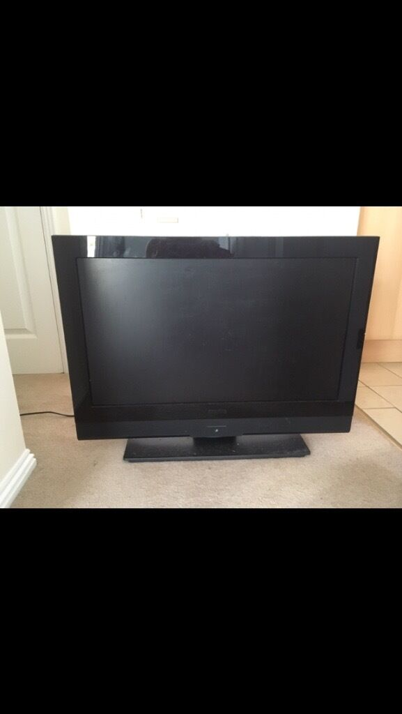 32'' Black Freeview TV.