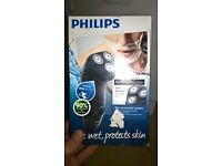 philips at899 shaver brand new