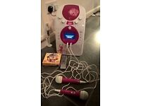 EK Karaoke Machine 2 x mics, 3 x discs, remote control