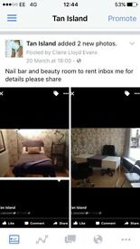 Room to rent for hair or beauty fab location in tanning salon and boutique