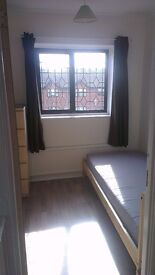 ROOM available NEAR LAKESIDE / COOP / IKEA
