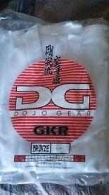 Good quality (not basic) Karate gi. New unused. Size 3/160.