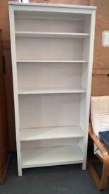 white 5 shelve bookcase