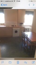 Central Aberdeen 4 bedroom flat with HMO licence