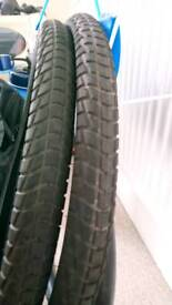 27.5 x 1.95 tyres (pair) with inner tubes