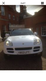 Porsche Cayenne wrapped in white v8 sounds and looks amazing