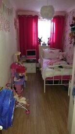 2 bed ground floor flat poncanna/canton looking for a 2/3 bed house in surrounding area