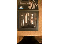 Mens grooming kit with accessories brand new never used.