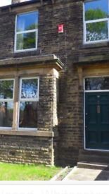 Double Room In Shared House - modern house 5 minute walk from train station, ce