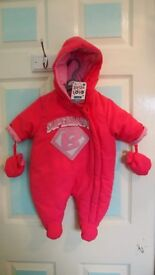 Band New Snow Suit with tags size 3-6 months