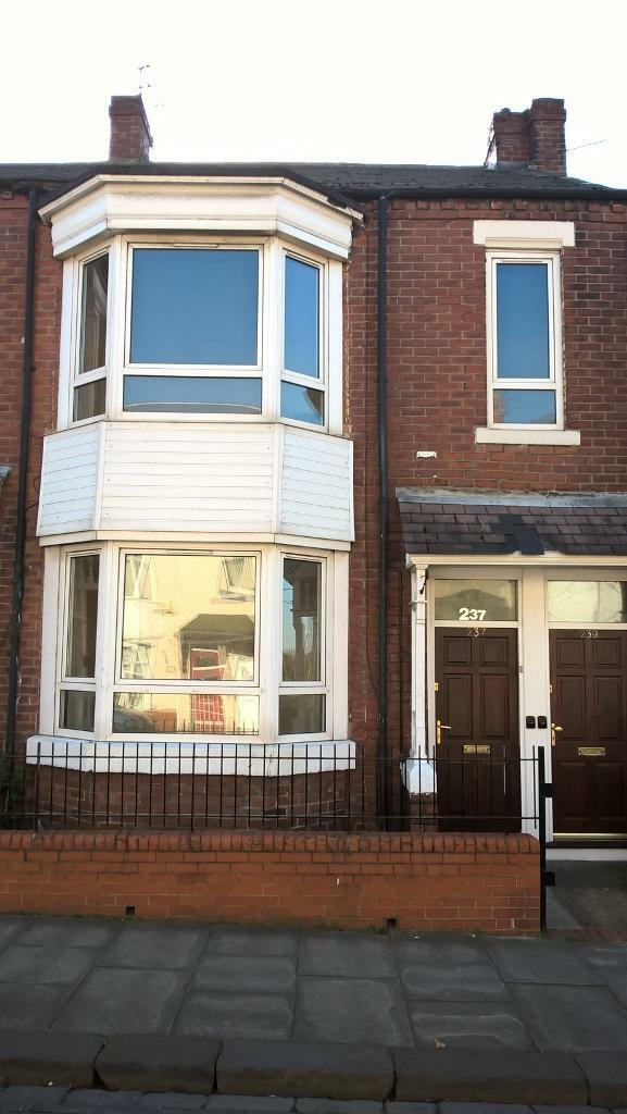 3 bedroom flat in South Shields, Newcastle-Upon-Tyne, South Shields, Newcastle-Upon-Tyne, NE33