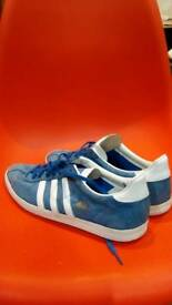 Adidas gazelle size UK 10