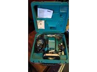 Makita PR0900 Plunging Router plus cutters