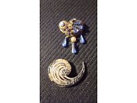 Two Distinctive Blue-Stoned Brooches - Costume Jewellery 1950's
