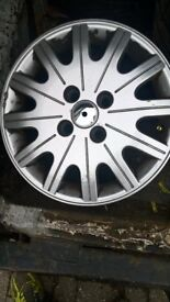 "ford focus 15"" alloys set off four"