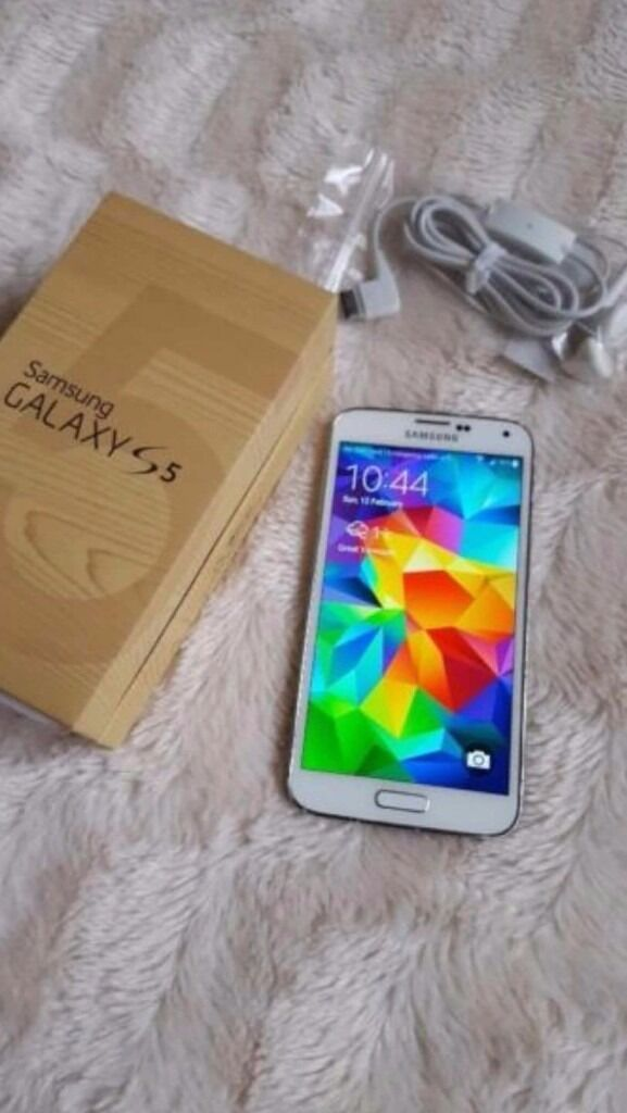 GALAXY S5 UNLOCKED BOXED AND CABLESin Gorleston, NorfolkGumtree - Galaxy S5 in white unlocked with box and all cables, good clean phone few marks on bezel to be expected Collection or delivery if close by