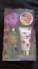 Floral Shower and Body cream gift set