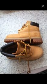 Girls size 12 Timbaland boots
