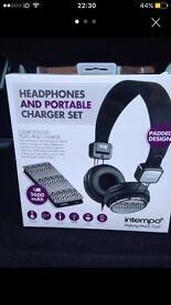 Headphones & power bank