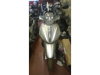 Piaggio 350 Beverly Breaking