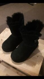 USED Bailey Button UGG Boots SZ 9 JNR