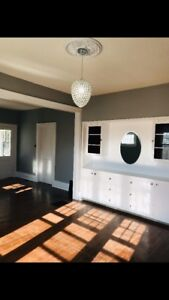 BEAUTIFUL RENOVATED HOME FOR RENT AVENUES!