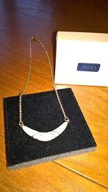 Avon Cote D'Ivoire Necklace With Box