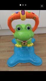 V-Tech bounce & discover Frog