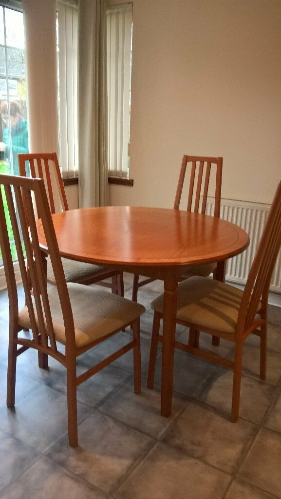 Morris Furniture Dining Room Table And Chairs In Kirkcaldy Fife